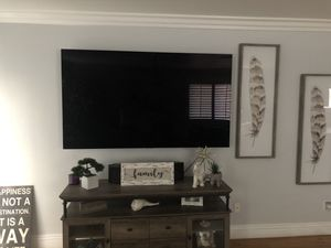 LG OLED77C8PUA for Sale in Moreno Valley, CA