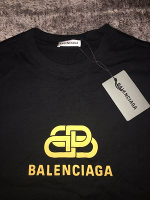 Balenciaga T-Shirt Size Men's Size Large Brand New In Hand for Sale in Bellwood, IL