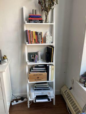 White Ladder Bookshelf, 5 Tier for Sale in New York, NY