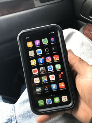 IPHONE XR 64Gb. T-Mobile Carrier for Sale in Oakland, CA