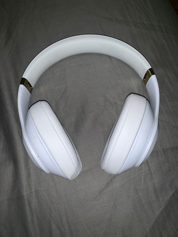 Beats by Dr Dre studio 3 wireless noise cancelling headphones