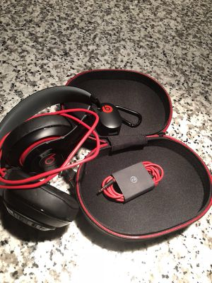 BEATS studios! $125 for Sale in Tampa, FL