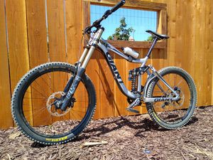 Giant Glory Downhill for Sale in San Diego, CA