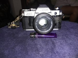 VINTAGE Canon ae-1 - 35mm Camera for Sale in Wethersfield, CT