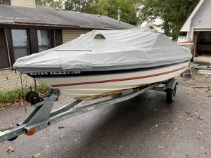 Speed Boat. Bayliner Capri bicentennial year 85 HP Force outboard motor for Sale in Round Lake Heights, IL