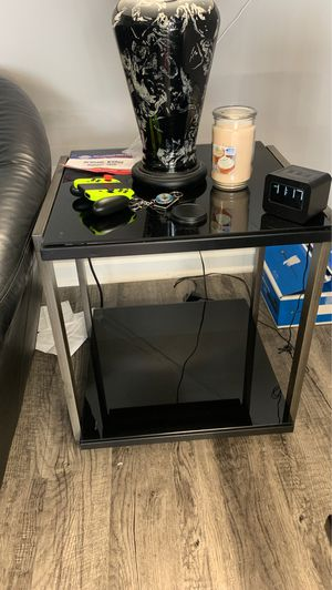 Brand new in box coffee table with 2 end table for Sale in Fort Wayne, IN