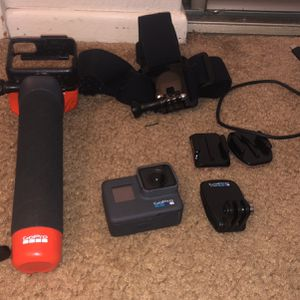 GoPro Hero 6 Set With Lots of Accessories for Sale in Diamond Bar, CA