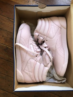 Baby pink Reebok high top women's sneakers size 6 for Sale in Portland, OR
