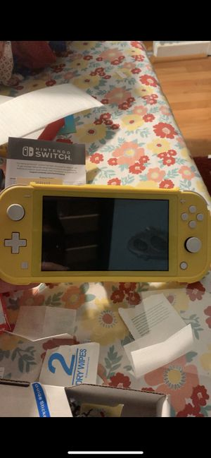 Nintendo switch lite yellow for Sale in Gaithersburg, MD