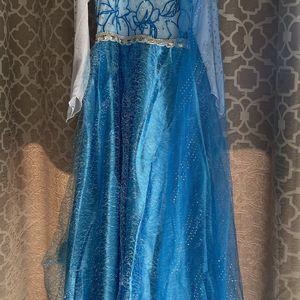 Brand New Elsa Dress 4T & matching 3ft Elsa Doll for Sale in Garden Grove, CA