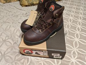Red Wing Irish Setter Safety Toe work boots size 13D for Sale in Robinson, TX