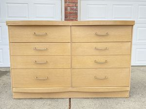Vintage 6 Drawer Dresser for Sale in Wenatchee, WA