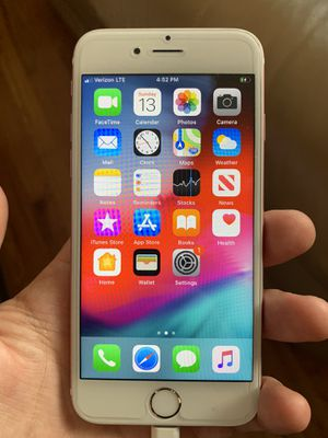 FACTORY UNLOCKED iPhone 6S - 64GB- Rose GOLD for Sale in Lodi, NJ
