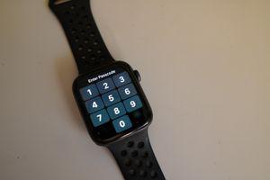 Apple watch 4th Gen (44mm, non cellular model) for Sale in Benicia, CA