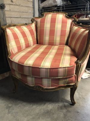 Rare round antique chair! for Sale in Tucson, AZ