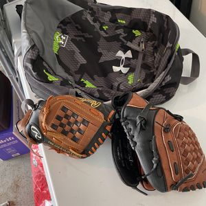 Boys Tee Ball Glove and Bag for Sale in New Port Richey, FL