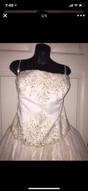 Wedding Dress New size 22 for Sale in Madera, CA