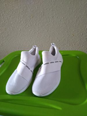 Adidas Women's Sneakers, Size.7.5 Last Chance (Moving Out) for Sale in Atlanta, GA