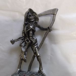 Pewter Figurine 3 In Grim2 for Sale in Aberdeen, WA