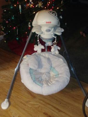 Fisher Price swivel led baby swing for Sale in St. Peters, MO