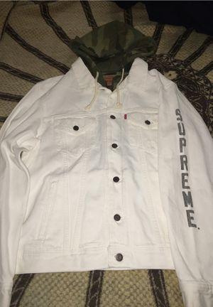 Supreme levis denim jacket ds xl for Sale in Alameda, CA