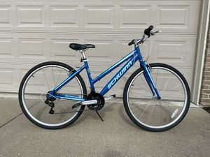 Schwinn Pathway 700cc Women's Bicycle Bike 18 speed for Sale in Cold Spring, KY