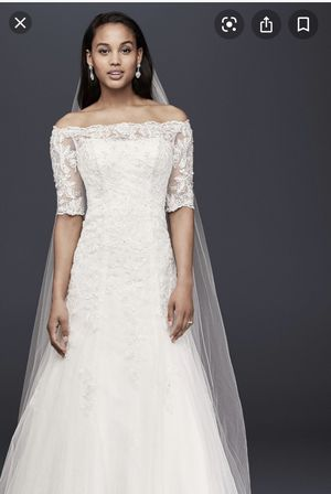 Never worn or altered 3/4 sleeve David's bridal wedding dress. for Sale in Bedford, MA