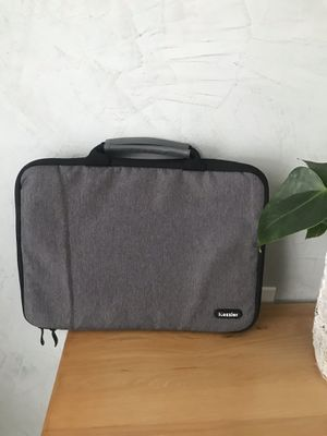 Case for Laptop $12 for Sale in Wheaton, IL