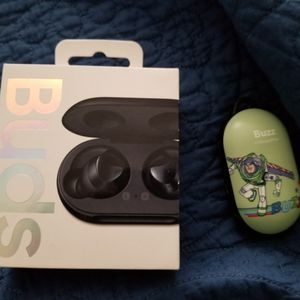 Samsung Earbuds for Sale in Philadelphia, PA