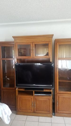 Entertainment center with shelving (TV NOT INCLUDED) for Sale in Bakersfield, CA