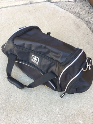 Black Duffle Bag - Medium size in Excellent Condition for Sale in Los Angeles, CA