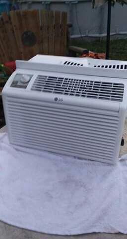 5,000BTU AC LG Window Air Conditioner Unit for Sale in Baytown, TX
