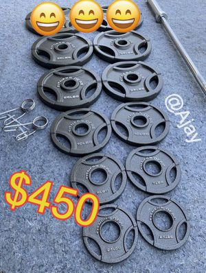 Olympic Weight Plates (2x35Lbs, 2x25Lbs, 2x10Lbs, 4x5Lbs, 2x2.5Lbs) + Olympic Barbell (7ft-45lbs) for Sale in Chino Hills, CA