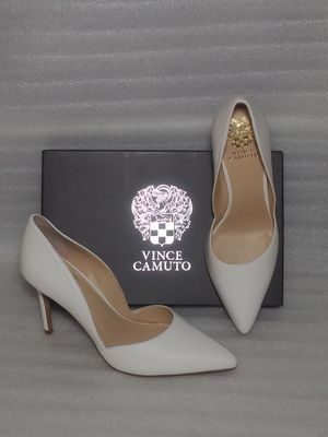 Vince Camuto heels. Size 8 women's shoes. White leather. Brand new in box for Sale in Portsmouth, VA