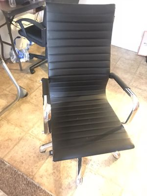 Computer/gaming chair for Sale in Spokane, WA