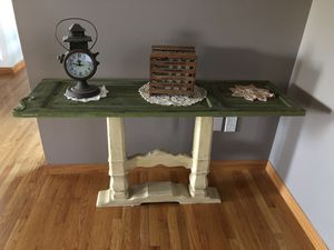 Sofa wood shutter table. for Sale in Jackson Township, NJ