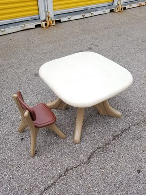 kids table and chair for Sale in Franklin Park, IL