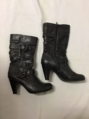Women's RIALTO gray mid calf side zip heel boots… Size 7 1/2M for Sale in Brick Township, NJ