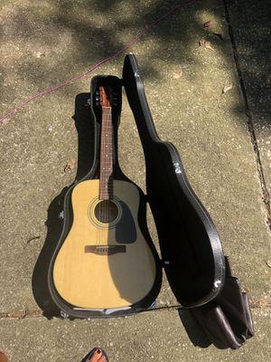 Fender guitar with case for Sale in Evansville, IN