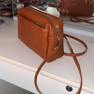 Brown Triple Zip Crossbody Purse - BRAND NEW for Sale in Castro Valley, CA