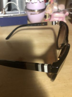 Authentic Burberry woman's sunglasses for Sale in Bensenville, IL