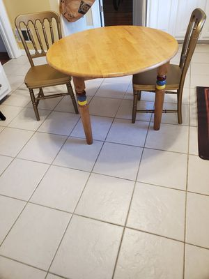 NEW Kids round dining table and 2 chairs for Sale in Stone Mountain, GA