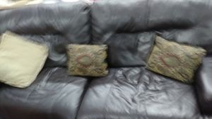 Leather couch for Sale in Prineville, OR