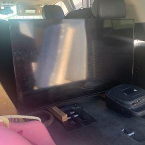 Vizio Tv And Blue Ray for Sale in Visalia, CA