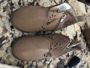 Gymboree toddler girls size 4 boots for Sale in Scottsdale, AZ