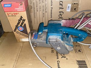 "Makita 9924DB Belt Sander - 3"" x 24"" Used Good Condition Tested Works for Sale in WA, US"