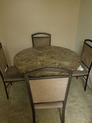 Dining room table for Sale in Long Beach, CA