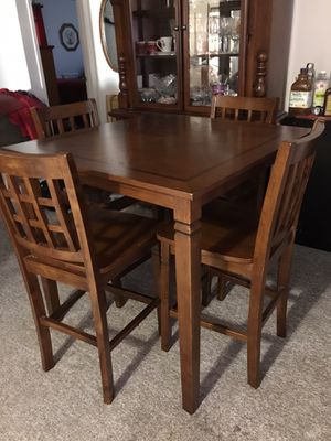 Dining Room Table & 4 Chairs for Sale in High Point, NC