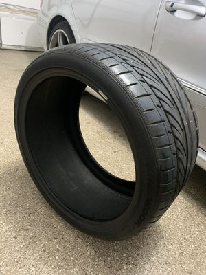 2 305/30R19 Hankook V12s for Sale in Ontarioville, IL