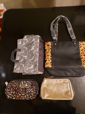 Purses and Cosmetic Bags for Sale in HOFFMAN EST, IL